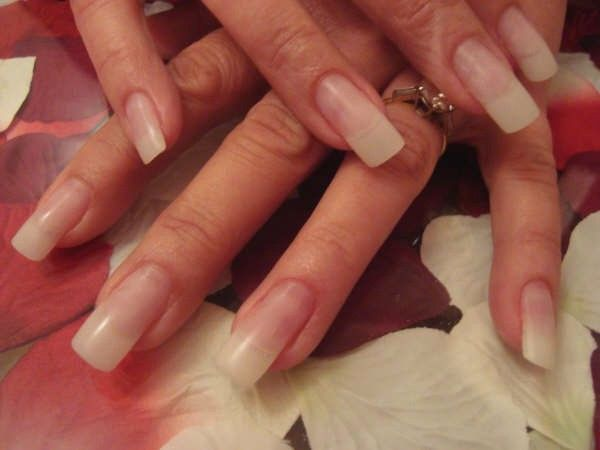 Natural And Beautiful Fiberglass Nails Nails Silk Wrap Nails