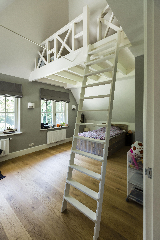 Prachtige slaapkamer met vide in de villa te Bilthoven | Stadsvilla ...