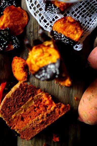 Zdjęcie: Tort ze słodkich ziemniaków z kremem orzechowym
