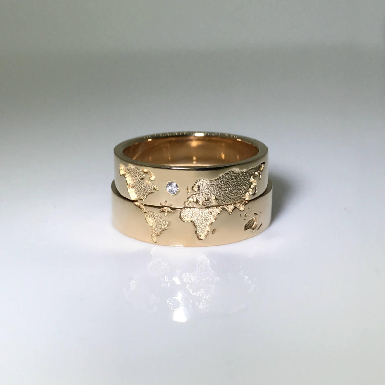 14k Gold Wedding Bands Set With World Map Travelers Wedding Etsy In 2020 Gold Wedding Band Sets Wedding Rings Vintage Wedding Rings Unique