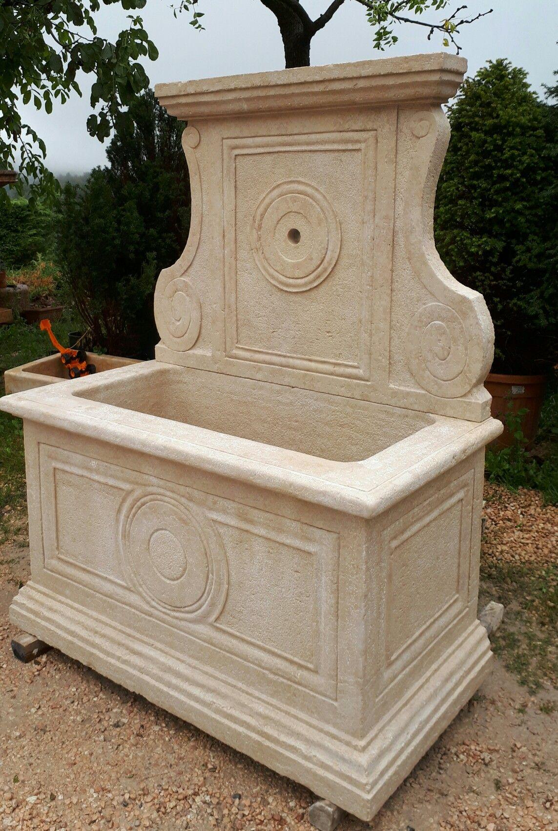 Fontana In Marmo Giallo Istria Marmo