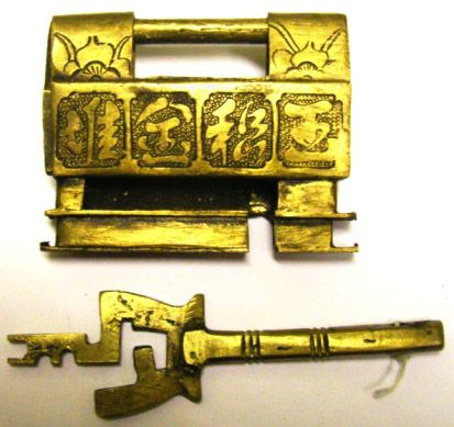 Slide Key Lock Of Cast Brass Photo By The Author Padlock Key Lock It Cast