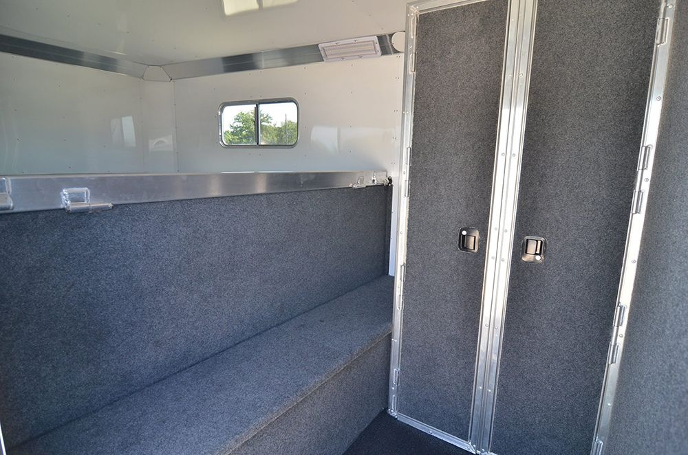 4Star Air Conditioned Dressing Room with full width boot
