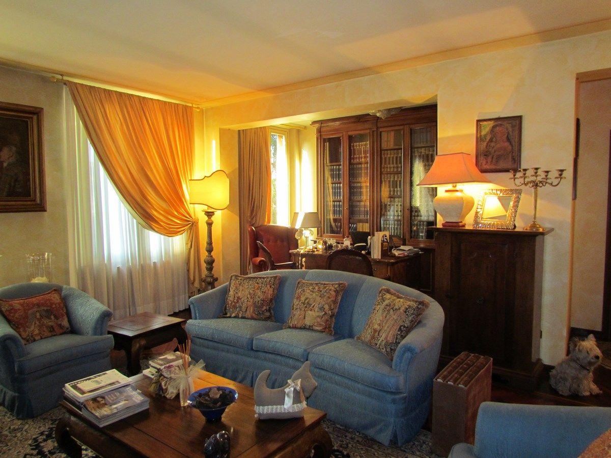 Prestigioso appartamento in vendita a Modena centro