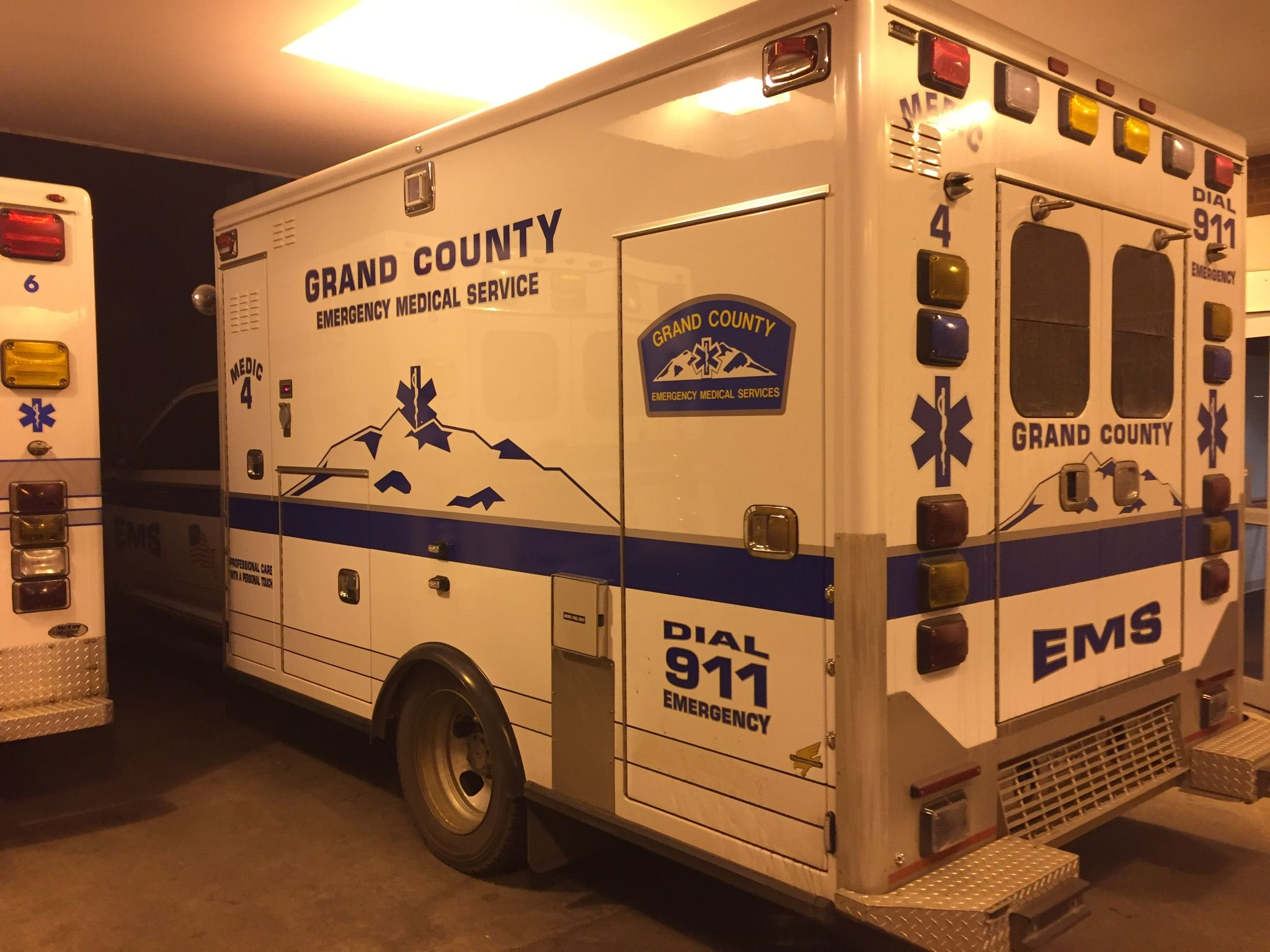 Pin by Kevin Neu on Ambulances | Emergency medical ...