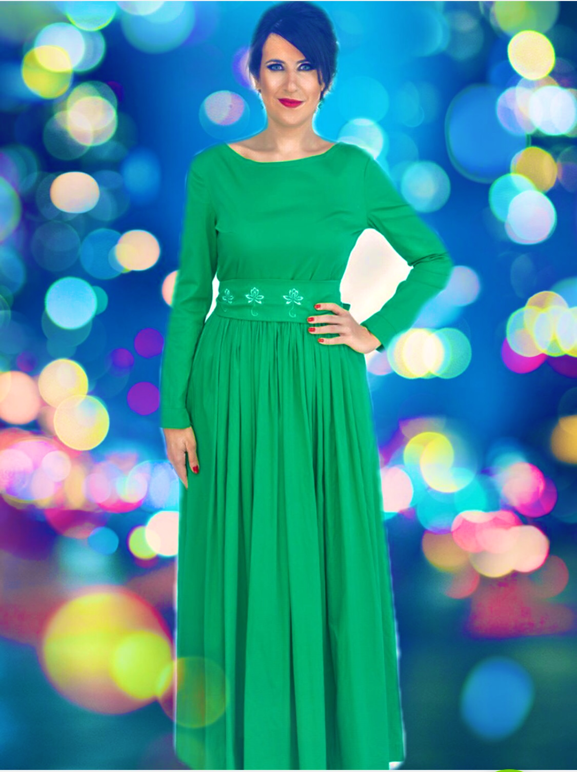 Green Cotton Maxi Dress With Long Sleeves And Embroideries Maxi Dress Cotton Maxi Dress Green Dresses [ 1506 x 1125 Pixel ]