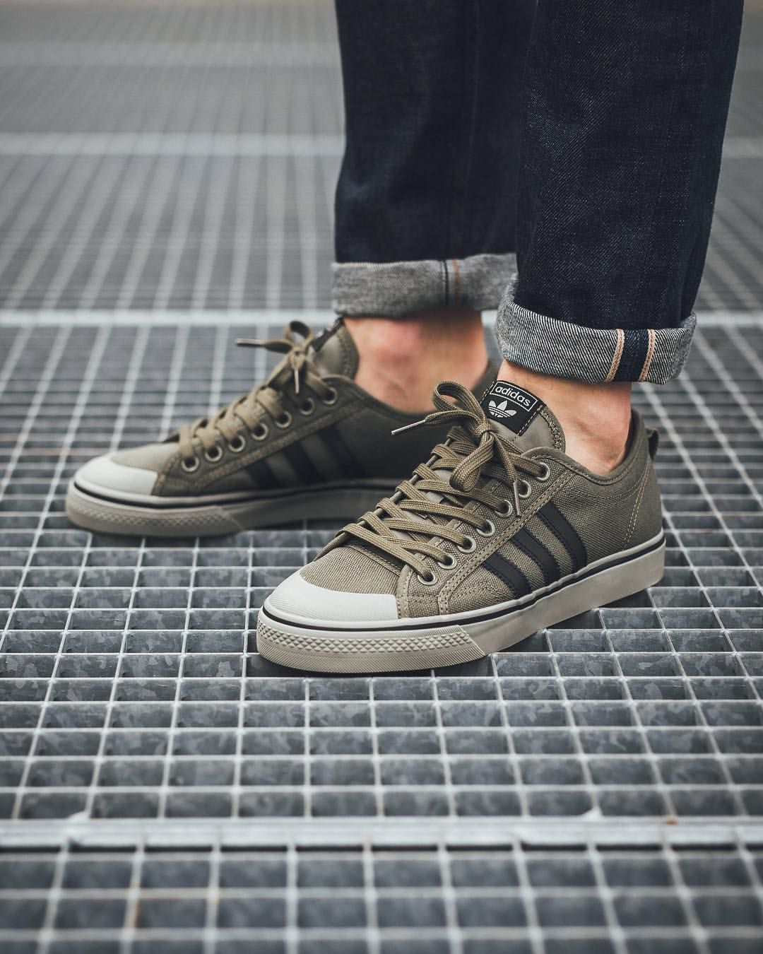 huge discount a2e5e 58364 adidas Originals Nizza Low  Cargo