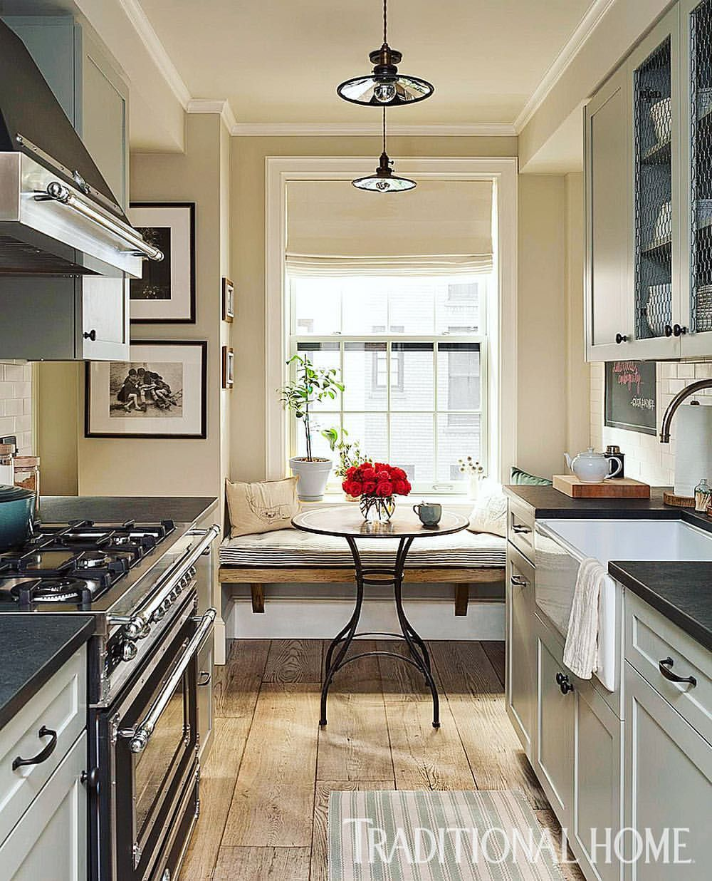 Traditionalhome Design Ideas: A Heritage-style Range, Reclaimed Wood-plank Floors, A