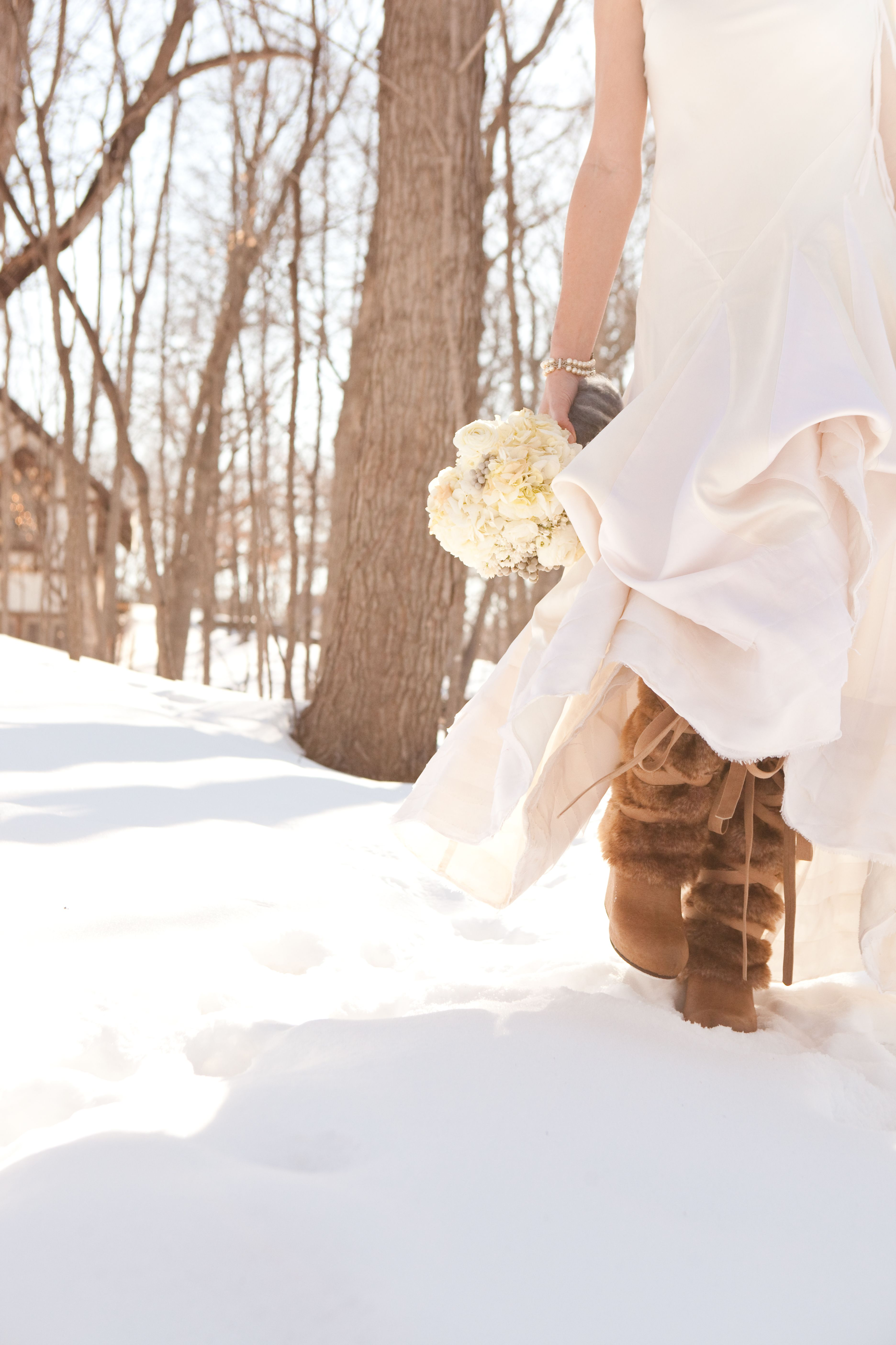Winter wedding. Mukluks! Photo by Alison Lea Photography. | MN ...