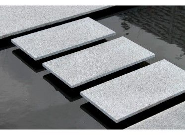 Silver Grey Granite Paving - 600x300 (98 Per Pack) Nustone ...