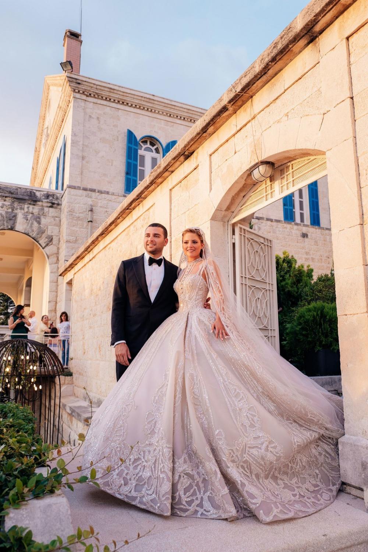 Lebanese Fashion Designer Elie Saab Designed Two Wedding Inspirasi Tu Most Beautiful Wedding Dresses Celebrity Wedding Dresses Beautiful Wedding Dresses