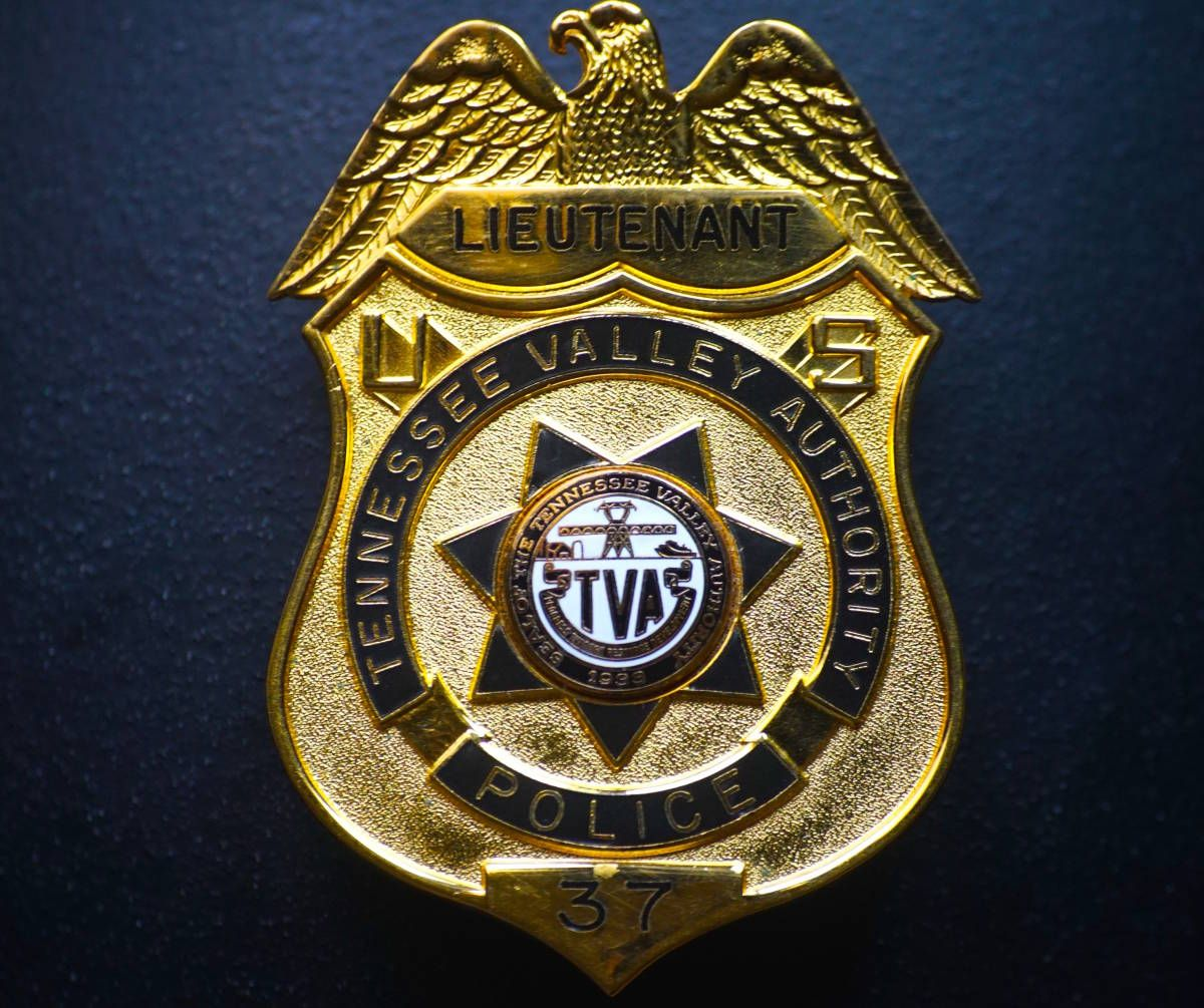 Lieutenant, Tennessee Valley Authority Police (Blackinton) | Badges
