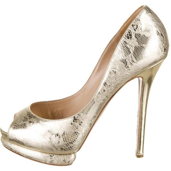 Pre-owned Nicholas Kirkwood Pumps ($155) ❤ liked on Polyvore featuring shoes, pumps, metallic, peep toe shoes, peep-toe shoes, heels stilettos, metallic shoes and metallic pumps