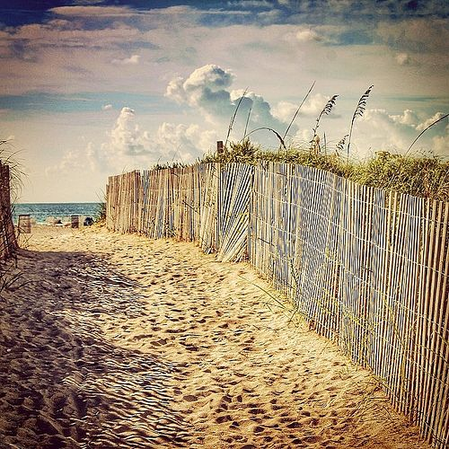 https://flic.kr/p/kMMCHk | Sand - Beach and Sky. #art #atrium09 #allshots_ #beach #cielo #clouds #hdr #hdr_arts #hdr_pics #hdr_elite #hdr_brazil #hdr_lovers #hdr_dynasty #hdr_gallery #hdr_captures #igers #icu_skyscapes #ig_cameras_united #lebanon_hdr #miami #florida #nubes #sand #s