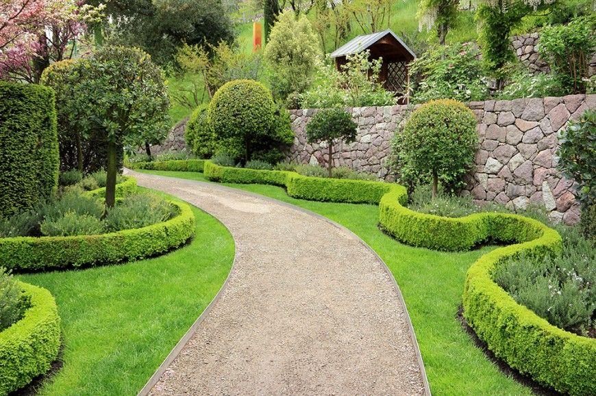 41 Incredible Garden Hedge Ideas For Your Yard Photos Large Backyard Landscaping Garden Hedges Backyard Walkway