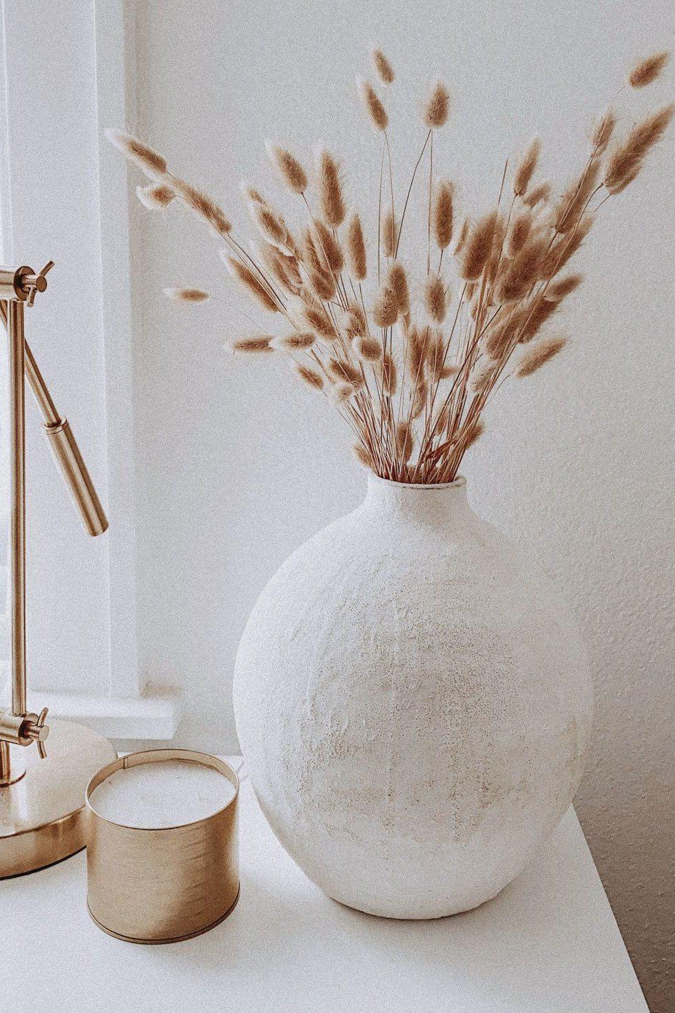 minimal ceramic vase