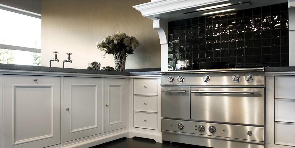 Tinello: sierlijk klassieke keuken. supermooie frontjes