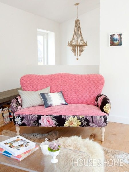 Surprising Decorating Moves That Work | Minimal living, Small living ...