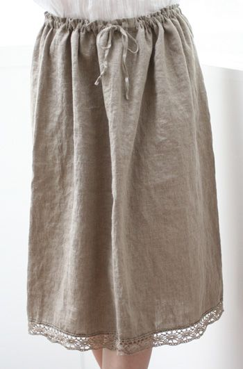 love the lace at the bottom of this linen skirt