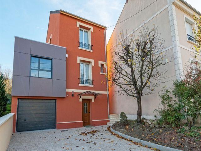 Avant Après  Une maison de ville ose couleur et extension