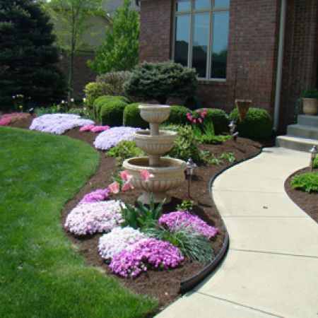 Photos The Many Types Of Landscape Mulch Front Yard LandscapingLandscaping SuppliesInexpensive DesignCurb