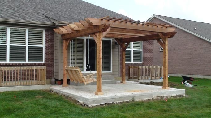 These free pergola plans will help you build that much needed structure in  your backyard to give you shade - These Free Pergola Plans Will Help You Build That Much Needed