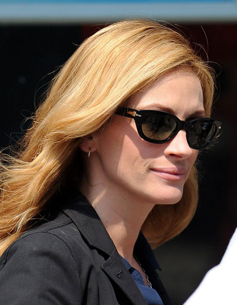 ray ban persol  Julia Roberts in Persol sunglasses