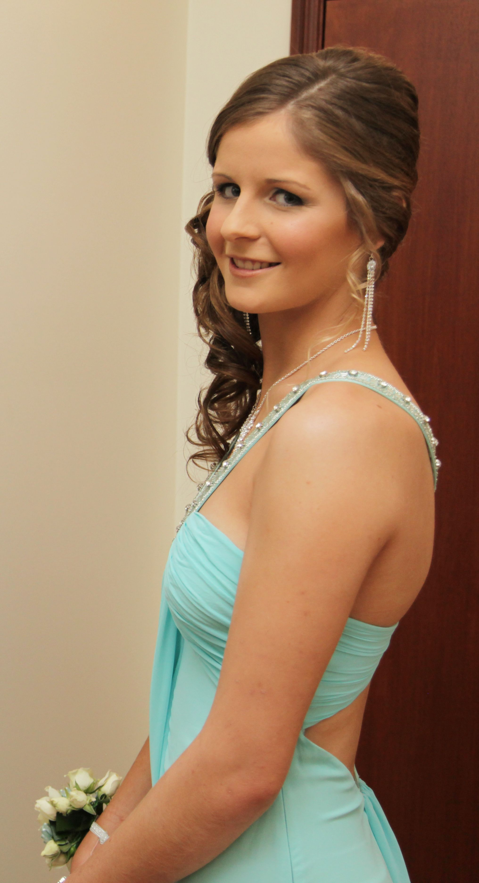 Hairstyle And Makeup For School Formal Prom Graduation Prom