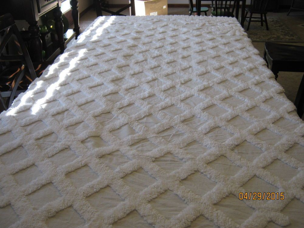 Vintage White Heavy Patterned Fluffy Chenille Bedspread With Fringe Queen Size Chenille Bedspread Chenille White Vintage