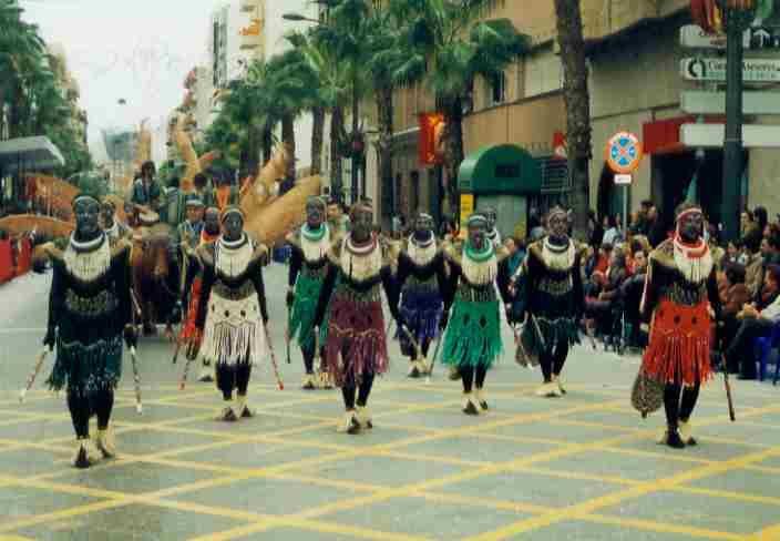 Disfraz casero africano disfraces pinterest africa for Disfraces caseros adultos