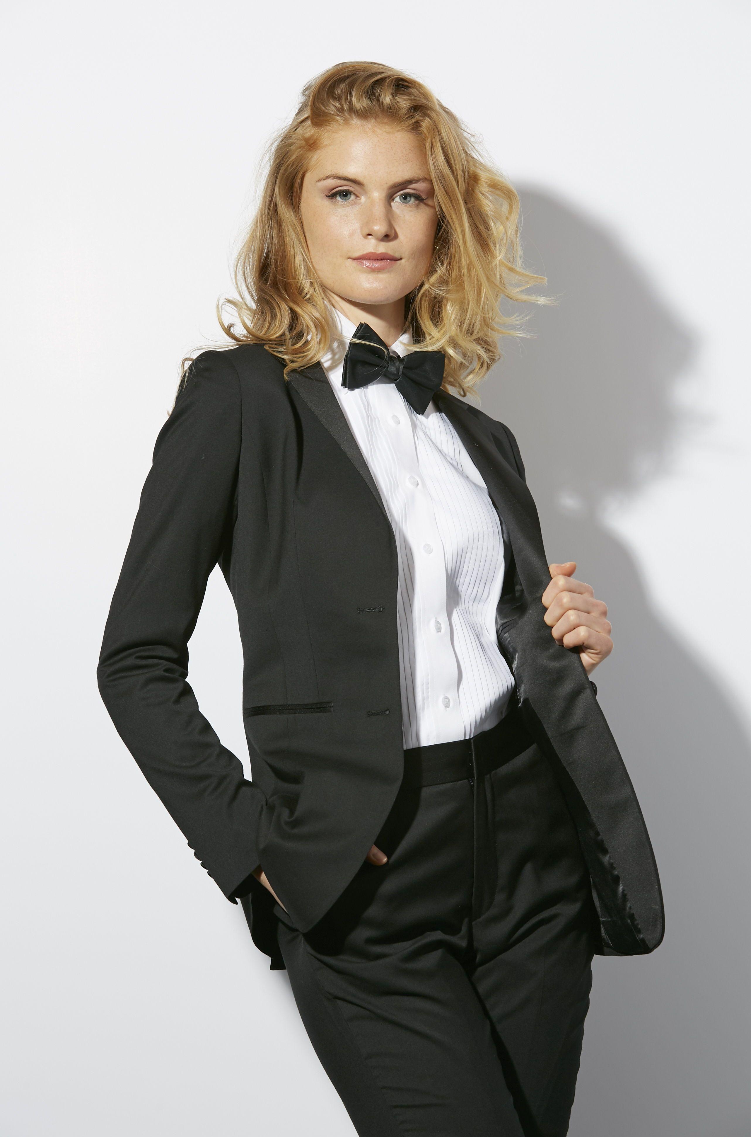Women S Wedding Suit In Black The Groomsman Suit Women Suits Wedding Tuxedo Women Woman Suit Fashion