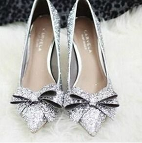 winter wedding sparkle shoes  http://www.elegantweddinginvites.com/blog/page/2/