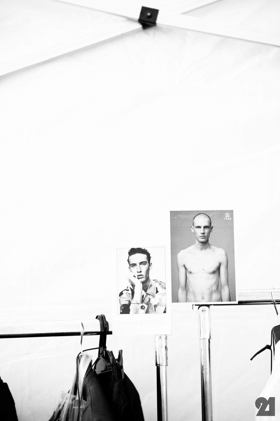 Le 21ème / Backstage at Julius _7, Spring/Summer 2016 | Paris  // #Fashion, #FashionBlog, #FashionBlogger, #Ootd, #OutfitOfTheDay, #StreetStyle, #Style