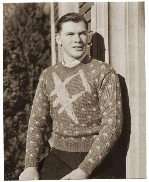 It S A Whole New Concept In Troop Training Sir 1940s Mens Fashion Novelty Sweater Vintage Knitwear