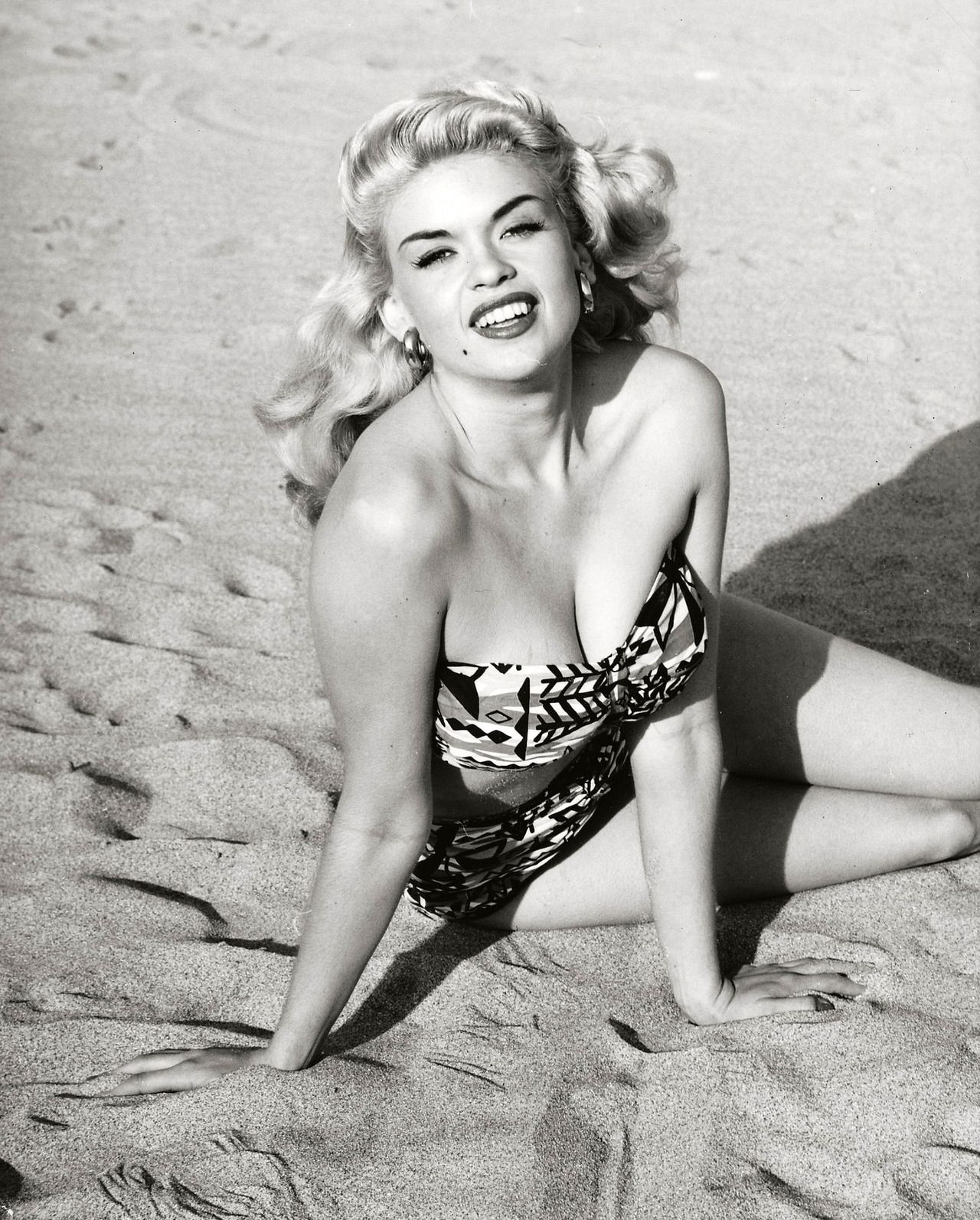 Jayne Mansfield (1952) | Hollywood actresses, Hollywood, Classic hollywood