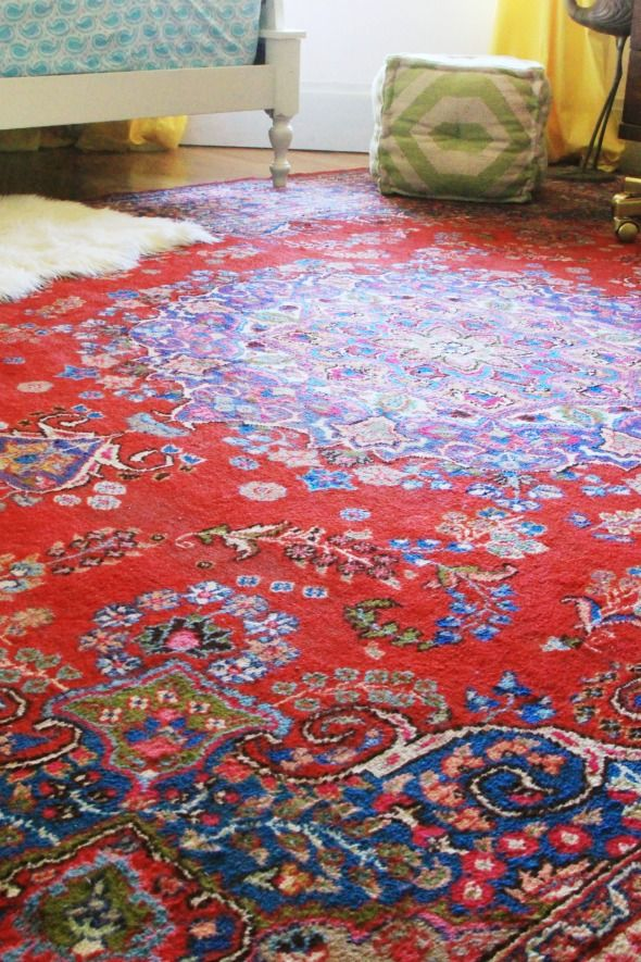 Gorgeous Bright Antique Rug For Your Living Room