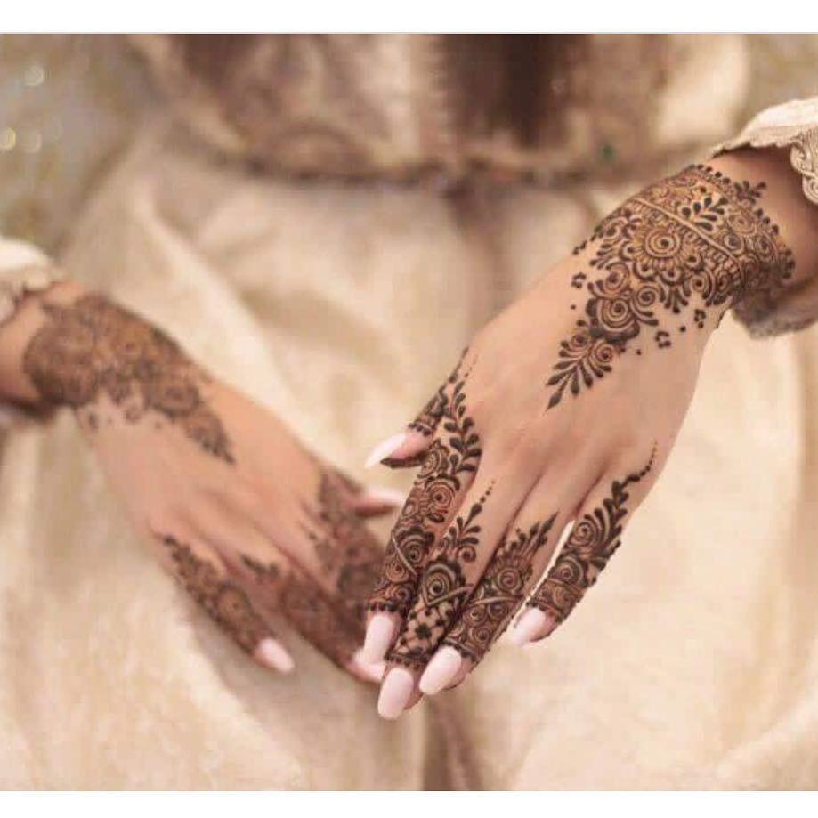 95 Mentions J Aime 4 Commentaires Moroccan Bridal Inspiration Moroccan Brides Sur Instagram Love Henna Designs Finger Henna Designs Henna Designs Hand