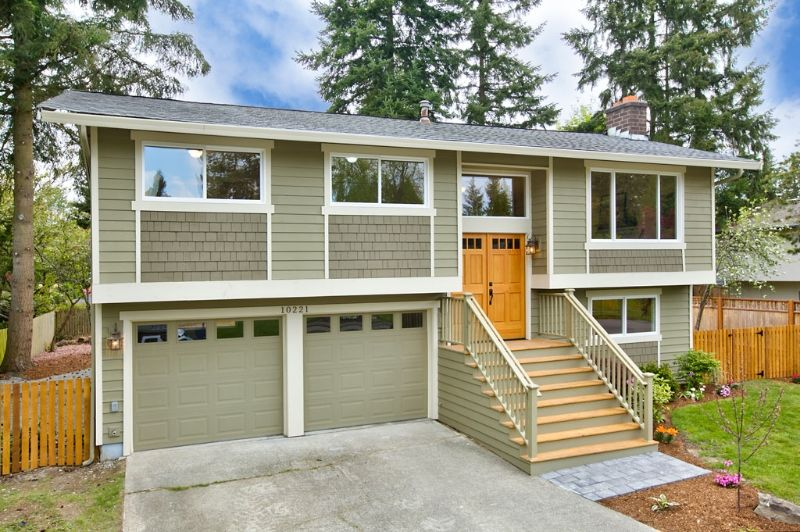 Situated On A Large Quiet Lot On Redmond S Education Hill This Re Imagined Split Level Now Boasts A Raised Ranch Remodel Ranch Remodel Exterior House Remodel,United Airlines Baggage Fees Military