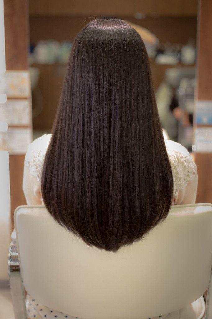 『ストレートロングの毛先のカット』