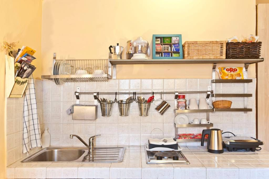 10 Brilliant Storage Ideas to Steal from These Tiny Airbnbs | Small ...
