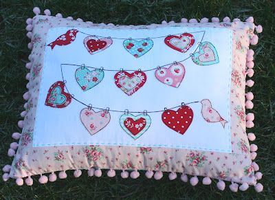 Heart applique on washing line how cute is this no pattern