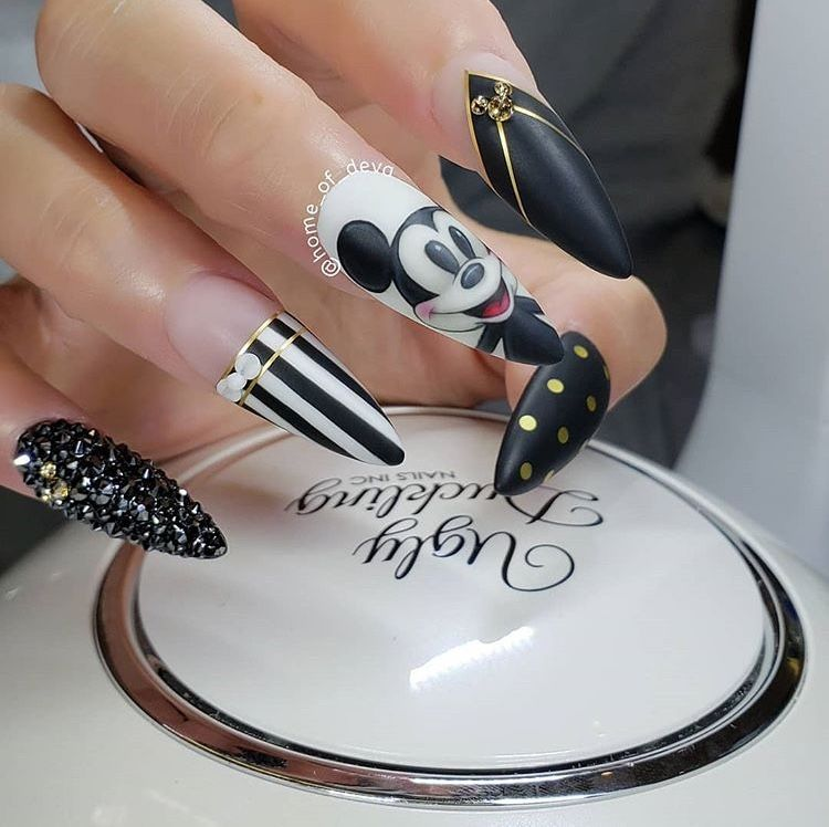 Pin by Timeeka Moore on Nail Art in 2019 | Halloween nails ...