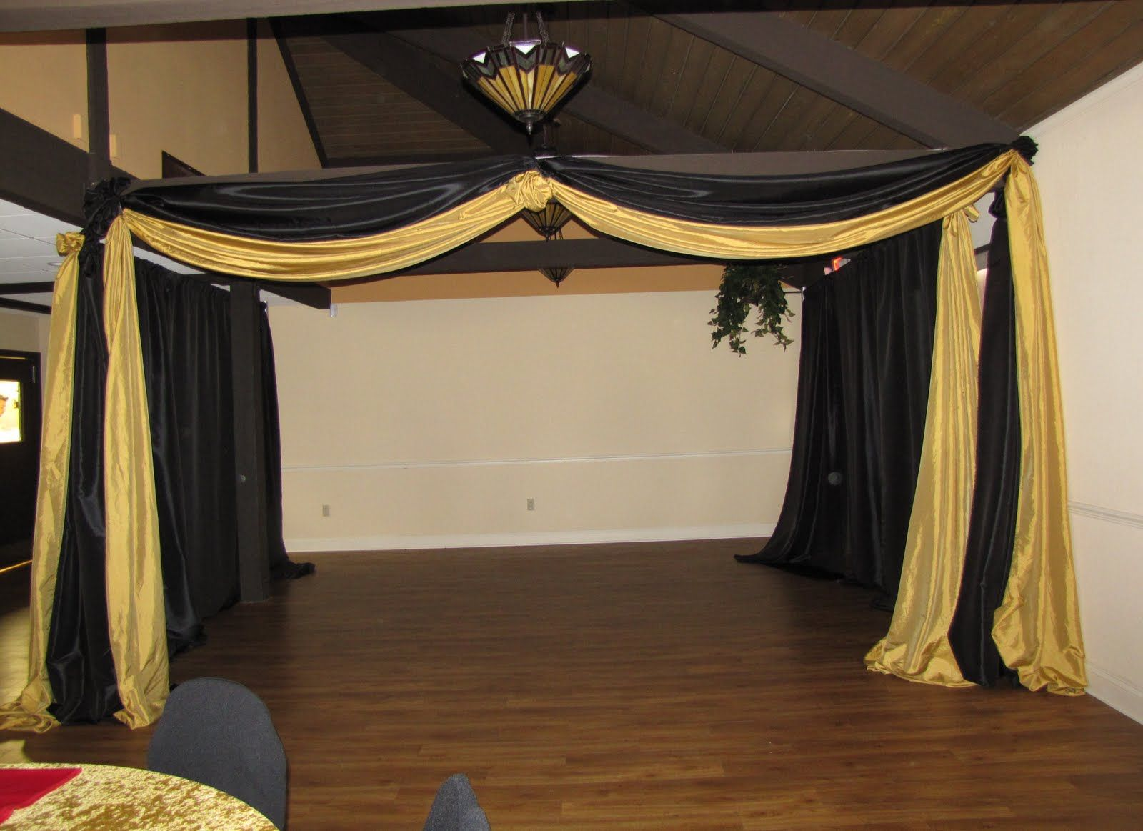 Cheap black stage curtains - Afbeeldingsresultaat Voor Black And Gold Party Decorations