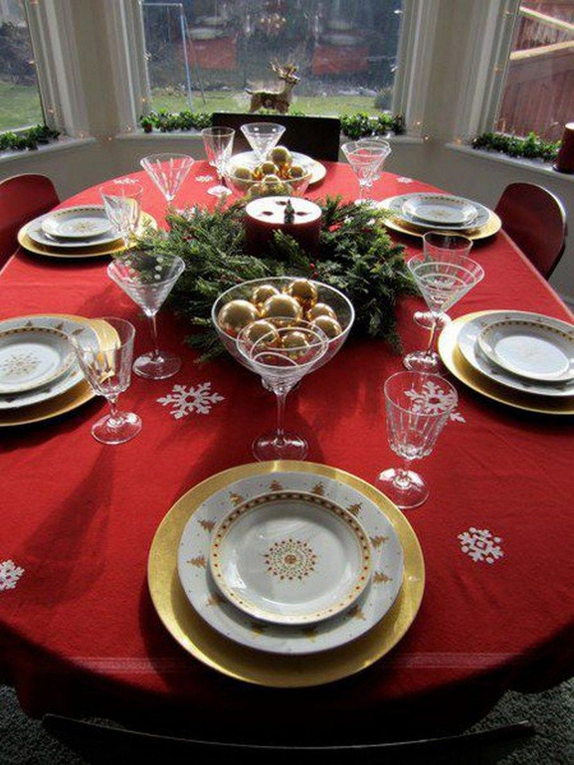 100 Beautiful Christmas Table Decorations From Pinterest Christmas Table Christmas Table Decorations Christmas Dinner Table