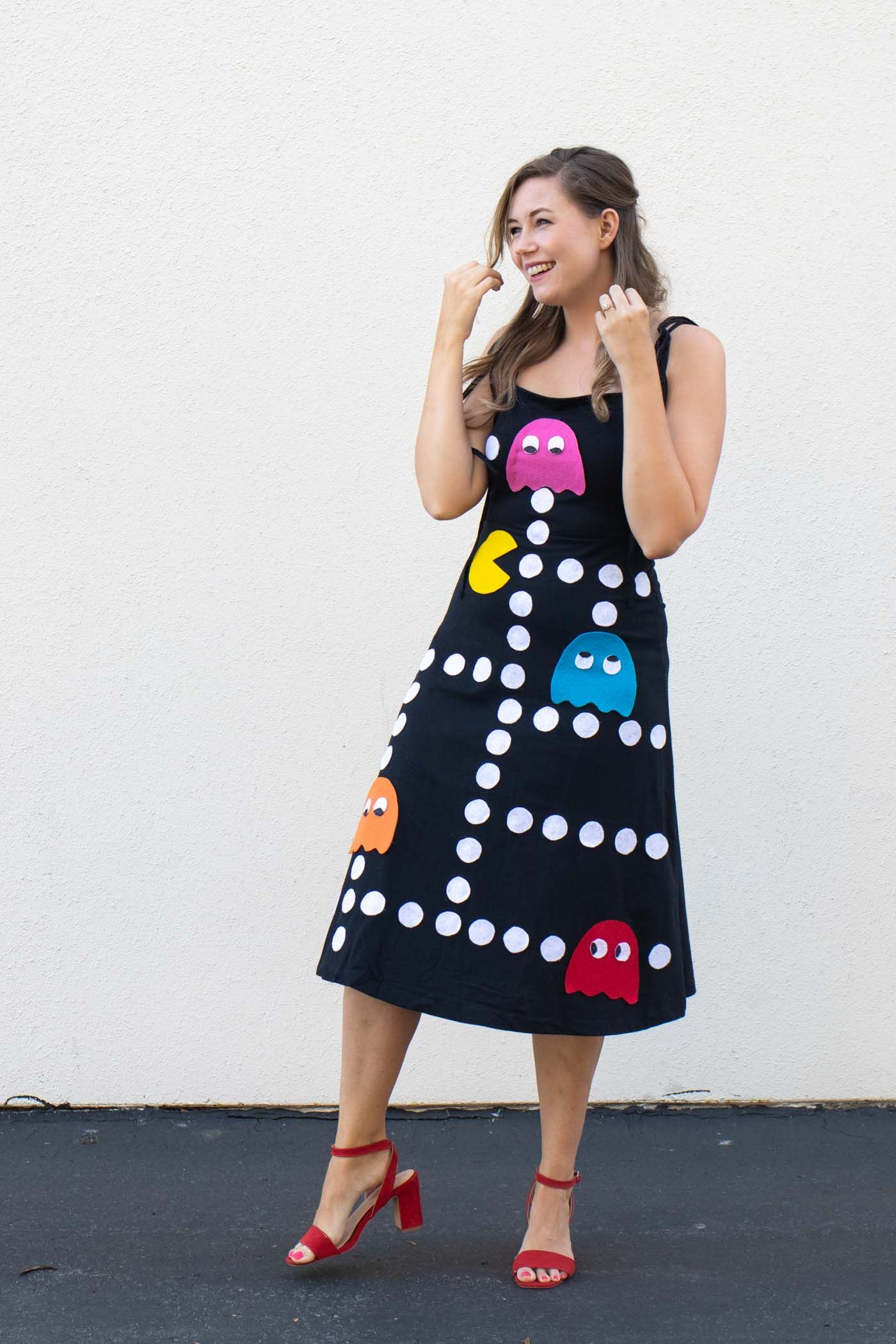 DIY No-Sew Pac-Man Costume for Halloween | Club Crafted
