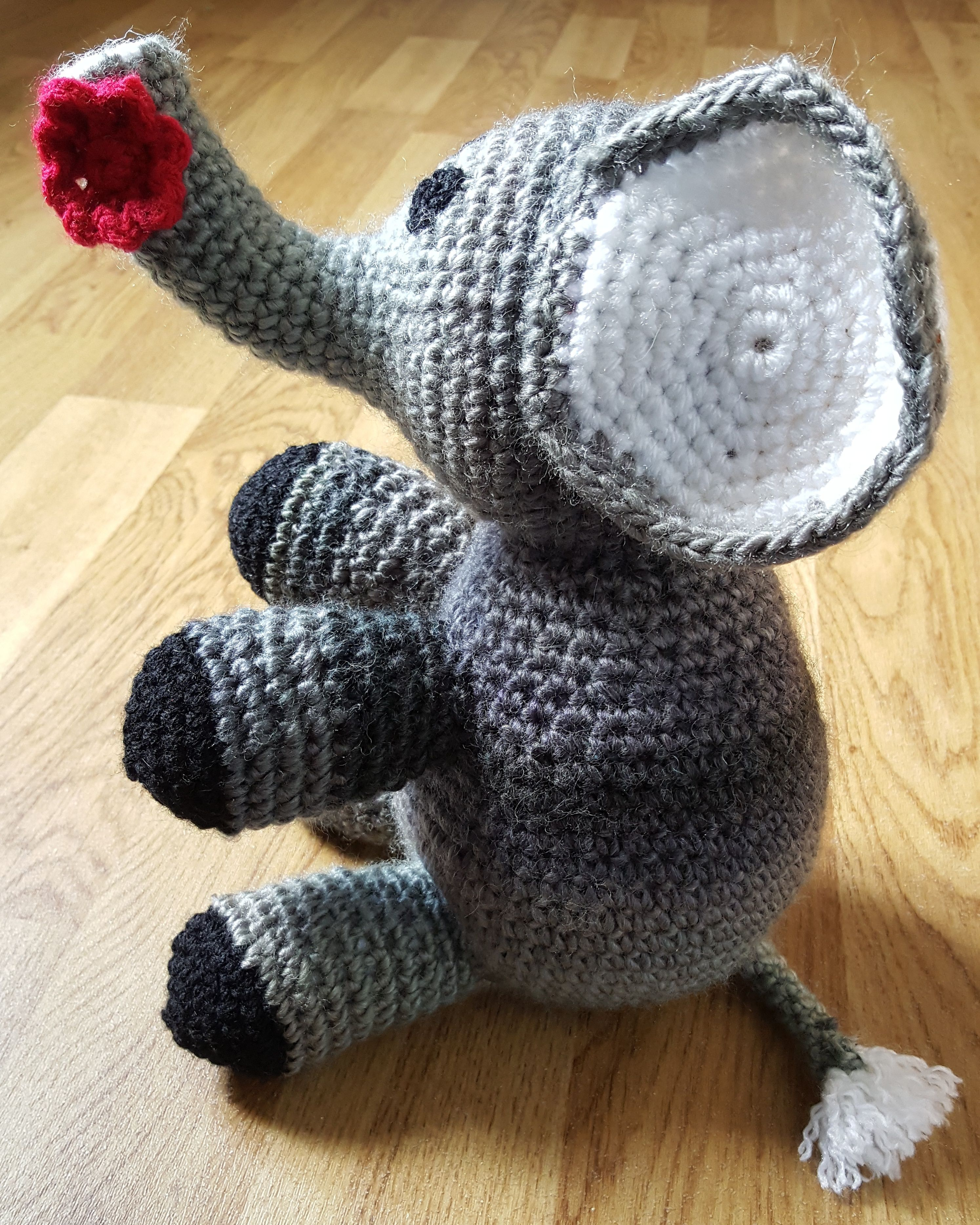 A free pattern showing how to make a crochet elephant  Easy