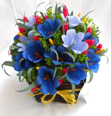 Tadascia Dellagaren: Composizione floreale in cestini