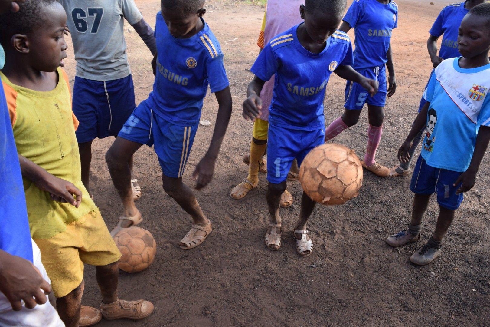 Entra en www.golescontraelhambre.com y ayúdanos a luchas contra la desnutrición infantil practicando el deporte que más te gusta.