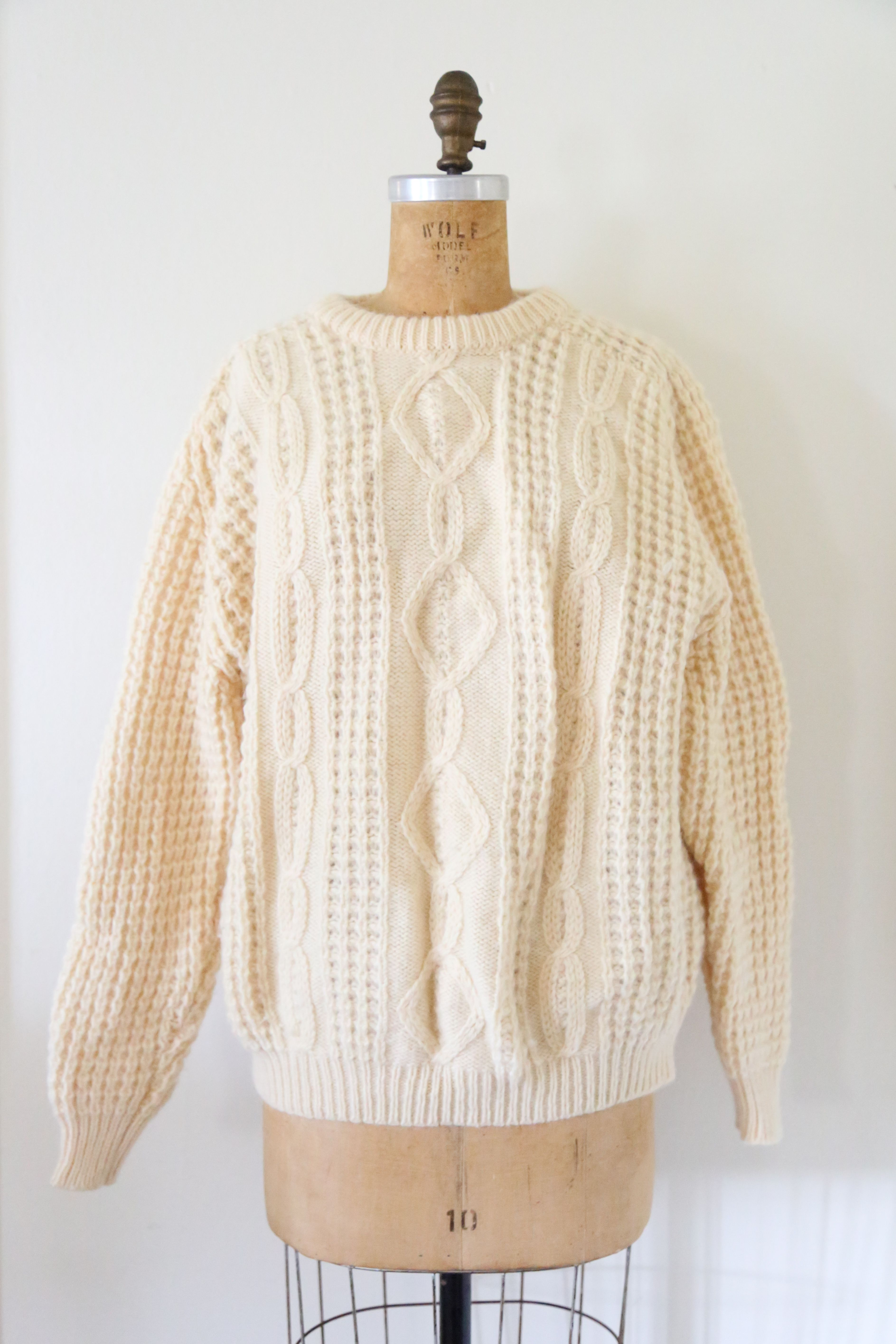 c3d9e1b8ff1d35 Vintage Irish Wool Oversized Cable Knit Sweater    Cream Wool Pullover  Sweater