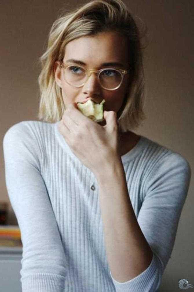 Neue Trend Blunt Bob Haarschnitt Bilder Kurzhaar Frisuren Damen Brille Stil Bob Frisur Brille Haarschnitt Bob